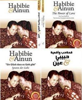 Kover buku Habibie Ainun dalam 4 bahasa.detik hot