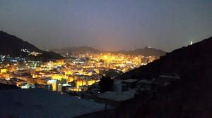 Pemandangan Kota Makkah di Saat Subuh dari Jabal Nur