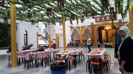 Masjid Huxi Persiapan Menjelang Berbuka