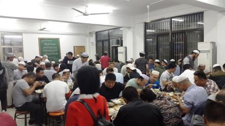 Masjid Pu Dong Makan Malam Bakda Isya